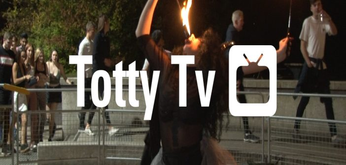 Totty TV S5E8 – F stands for fireworks FND
